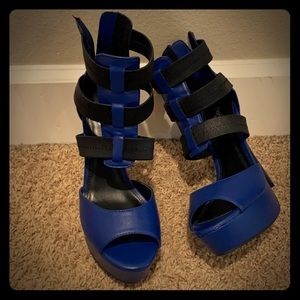 Blue and black shoes high heels